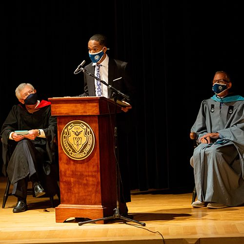 Convocation Offers Perspectives for an Unusual School Year